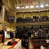 Die Königskrönung findet im Abgeordnetenkongress in Madrid satt.