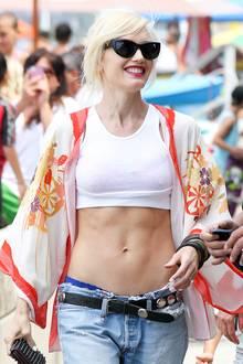 Gwen Stefani sind ihre drei Schwangerschaften nicht anzusehen.