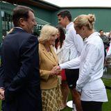 Herzogin Camilla stattet Wimbledon einen Besuch ab und schüttelt fleißig Hände. Auch Sabine Lisicki wird von ihr begrüßt.