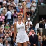 Maria Sharapova gewinnt auf dem No.1 Court gegen die Schweizerin Timea Bacsinszky.