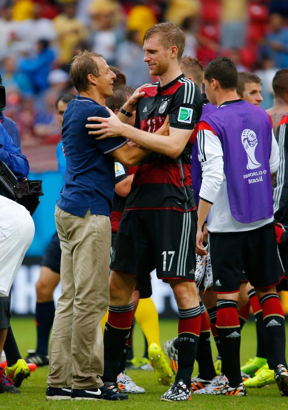 Per Mertesacker war schon in der deutschen Nationalmannschaft als Jürgen Klinsmann noch Trainer war. Deshalb verstehen sich die beiden auch heute noch blendend.