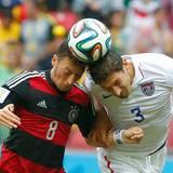 Mesut Özil hat zwar einige Torchancen, verwandelt diese jedoch nicht. In der 89. Minute wechselt Jogi Löw ihn aus.