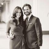 23. Oktober 2014  Endlich steht das Hochzeitsdatum fest: WIe das Königshaus meldet, werden Prinz Carl Philip und seine Verlobte Sofia am 13. Juni in der Kapelle des königlichen Schlosses von Stockholm heiraten.