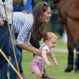 Polo liegt Prinz George natürlich im Blut, also hat er sich schon mal den Schläger gegriffen.