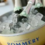 Der Champagner von Pommery sorgt auch bei diesem sommerlichen GALA Fashion Brunch für tolle Erfrischung und Laune.
