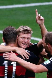 Keine Verschnaufpause für Brasilien: Toni Kroos trifft in Minute 24 und 26.