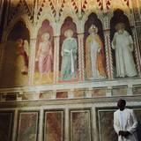 28. Mai 2015  Sightseeing à la Jay-Z: Im weißen Anzug schaut der Rap Mogul sich die sixtinische Kapelle an.