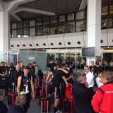 Nach sieben gemeinsamen Wochen verabschiedet sich das WM-Team am Flughafen Tegel. Für die meisten geht es mit dem Flieger weiter zu ihren Familien - oder in den wohlverdienten Urlaub.