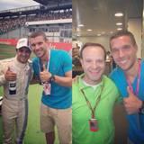 Dort trifft er die brasilianischen Formel-1-Stars Felipe Massa und Rubens Barrichello.