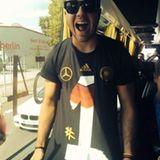 Mario Götze mit dem neuen T-Shirt