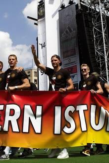 Bastian Schweinsteiger + Ana Ivanovic: Hochzeit im Sommer?