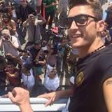 """Mesut Özil findet den Empfang """"unglaublich""""."""