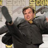 """Sportlich, sportlich: Jack Black schwingt bei der Vorstellung des Films """"Goosebumps"""" das Bein."""
