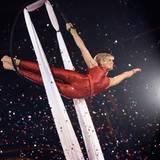 """6. Dezember 2008: Bei """"Stars in der Manege"""" konnte Helene Fischer ihr akrobatisches Talent voll ausleben."""