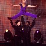 21. Dezember 2011: Sie scheut sich nicht vor Akrobatik auf der Bühne: Für Helene Fischer geht es bei der Aufzeichnung der ARD-Fe