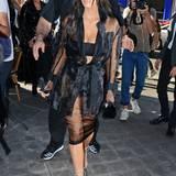 Schwarz und durchsichtig: Für diesen Look hat Kim Kardashian viele Variationen parat.
