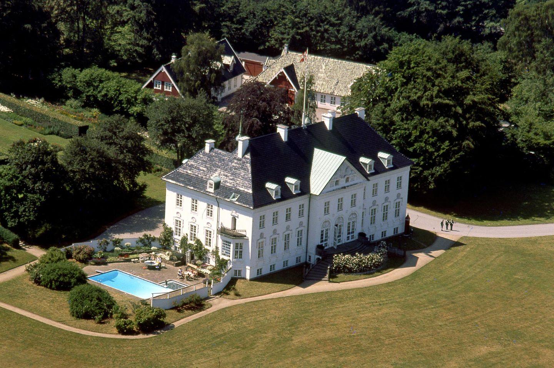 Den Sommer verbringt Königin Margrethe auf Schloss Marselisborg, das im jütländischen Aarhus liegt.