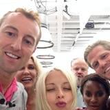 """Selfie mit dem gesamten """"Team Oben""""."""