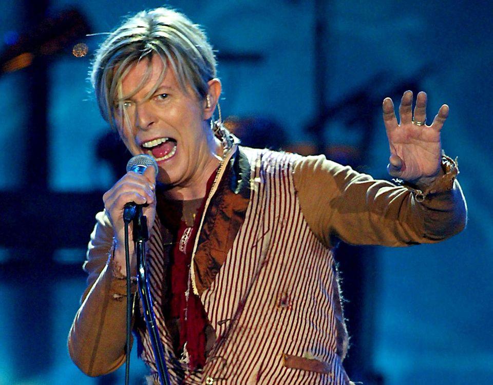 David Bowie = David Robert Jones