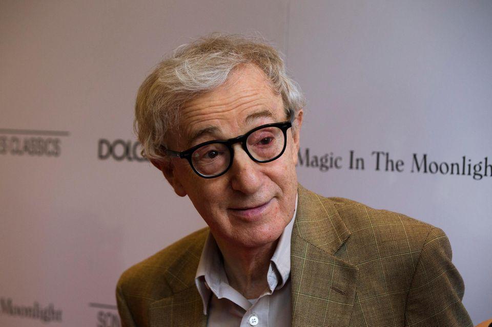 Woody Allen = Heywood Allen = Allan Stewart Konigsberg