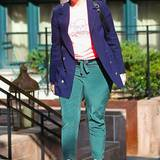 Ihr Flohmarktstil hat schon wieder etwas Außergewöhnliches: Lena Dunham kombiniert Kleidungsstücke miteinander, die irgendwie nicht zueinander passen. So gekleidet hat sie gerade Taylor Swift zum Lunch getroffen.