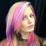 Regenbogen pur! Eine richtige Farbexplosion findet derzeit auf dem schönen Kopf von Topmodel Georgia May Jagger statt.