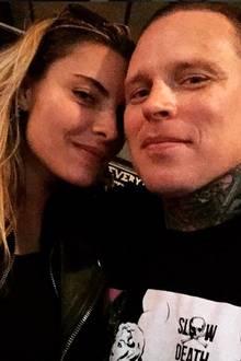 Scheinbar hatte Sophia Thomalla nicht lange an der Trennung von Till Lindemann zu knabbern. Mit dem norwegischen Sänger Andy LaPlegua zeigt sie sich auffällig intim.