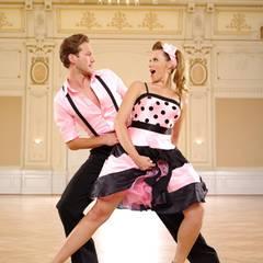 """Anna Hofbauer und Marvin Albrecht  In der Kuppelshow """"Die Bachelorette"""" hat es zwischen Anna und Marvin bereits vor einem Jahr geknistert. Funken werden daher bestimmt auch bei """"Stepping Out"""" sprühen."""