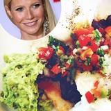 """Diszipliniert ist auch Gwyneth Paltrow, wenn es ums Abnehmen geht. Mit der """"GOOP Cleanse"""" hat sie 21 Tage lang eine Detox Diät ausprobiert, in der man genau eine Mahlzeit am Tag zu sich nehmen darf. Skurril? Viel besser ist noch, dass man genau 13 Mal kauen muss, bevor man das Essen endlich runterschlucken darf. So viel Anstrengung wird mit weniger Kilos auf der Waage belohnt!"""
