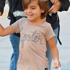 Kourtney Kardashians Sohn Mason hat Spaß daran, mit seiner Mama einen Spaziergang zu machen. Mit seinem langen Haarschnitt sieht der 5-Jährige schon wie ein kleiner Casanova aus.