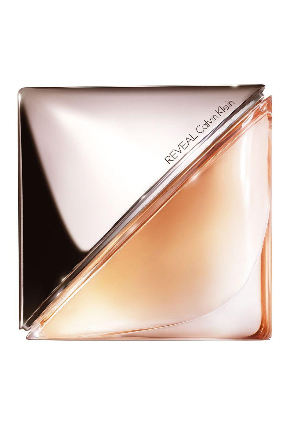 """Das erste Parfüm, das gemahlenes Salz enthält: """"Reveal"""" mit sonnig-orientalischen Noten. Von Calvin Klein, EdP, 30 ml, ca. 48 Euro"""
