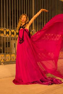 Auch wieder mit dabei ist Model Sarah Brandner.