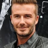 Wenn ein Mann weiß, wie er sein Haar zu stylen hat, dann ist es Hollywood-Beau David Beckham.