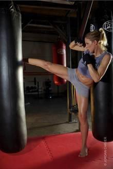 Jordan Carver bereitet sich mit Kickboxen auf das Duell mit Melanie Müller vor.