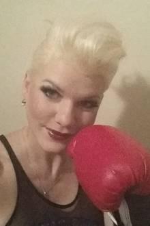 Melanie Müller trainiert fast täglich und absolviert danach fleißig Auftritte, das bringt auch Kondition.