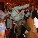 Usain Bolt, der schnellste Mann der Welt, zieht die Aufmerksamkeit auf sich.