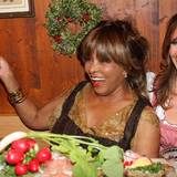 Superstar Star Tina Turner amüsiert sich.