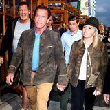 Huch, wer ist denn da auf der Wiesn? Arnold Schwarzenegger mit Freundin Heather Milligan und seinem guten Freund, Schauspieler Ralf Möller.
