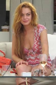 Lindsay Lohan feierte bereits als Kinderstar Erfolge - doch dann geriet die Schauspielerin durch ihre Drogenexzesse immer wieder mit dem Gesetz in Konflikt. Immer wieder wird Lohan wegen Trunkenheit am Steuer festgenommen. In Entzugskliniken wird die Schauspielerin zum Dauergast. Bis heute hat Lindsay Lohan mit Rückfällen zu kämpfen.