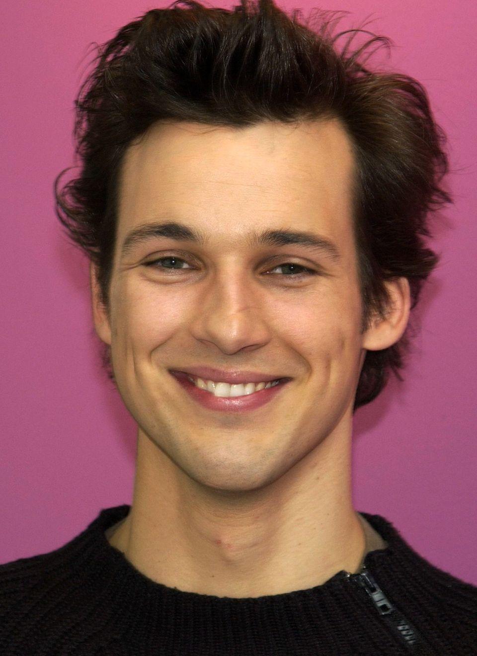 2002 war Florian David Fitz dem deutschen Publikum bereits bekannt. Mit seinem charmanten Lächeln konnte er schon damals zum Frauen-Schwarm avancieren.