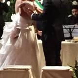 Die kleine Sole darf in der ersten Reihe an der Trauung teilnehmen - abwechslend auf Mamas und Papas Arm.