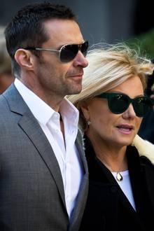Hugh Jackman uns seine Frau Deborra-Lee Furness verabschieden sich von dem Designer Oscar de la Renta.