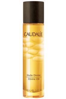"""Das Trockenöl mit Trauben-Hibiskus, Sesam- und Arganöl pflegt unsere Haut samtweich. """"Huile Divine"""" von Caudalíe, 50 ml, ca. 17 Euro"""