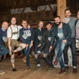 """""""Yes they can Schuhplattler"""" - Das Team """"Schlaufüchse"""" mit Markus Spieker (Estée Lauder), Richard von den Voigasplattler, Hans-Bernd Cartsburg (Mustang), Marcus Luft (GALA), Lewin Berner (Sioux), Andreas Haumesser (Haumesser PR), Alexander Mazza und Sören Gottwalt (G+J) geht an den Start."""