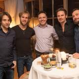 Martin Wössner (White Communications), Mathis Landwehr, Oliver Ebstein (Chronoswiss), John Schlüter (Thomas Sabo) und Jan Till Becker (Diageo) lassen in gemütlicher Runde die Geburtstagsfeier ausklingen.