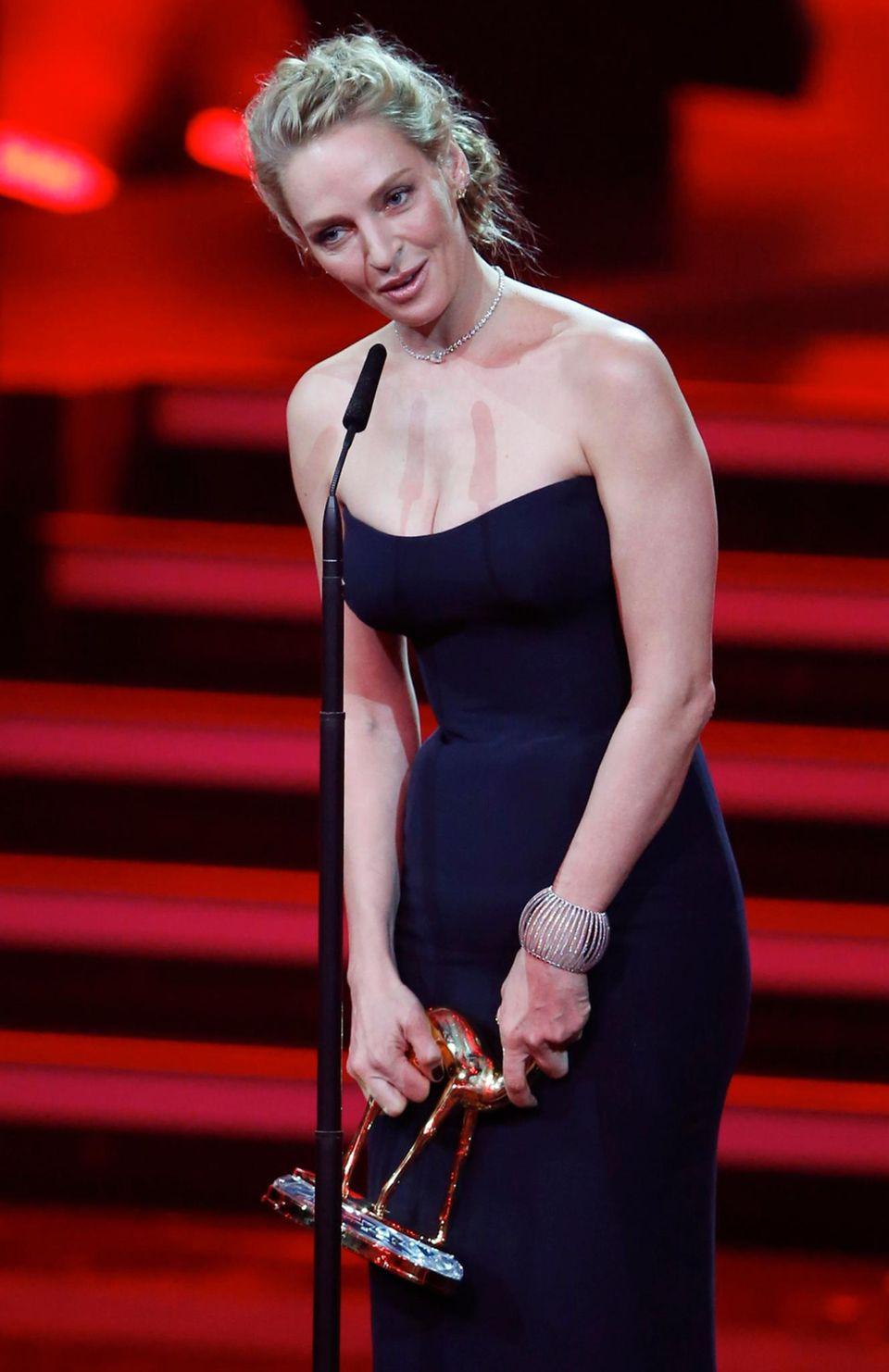 """Uma Thurman wird als """"Schauspielerin international"""" ausgezeichnet."""