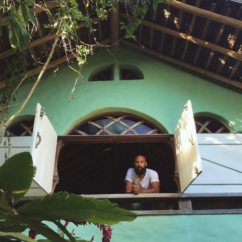 Dieses Foto von ihrem Mann Alan Ferguson kommentiert Solange mit einem Herzen.