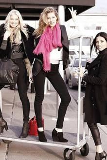 """Trotz großen Medien-Wirbels kommt der Spaß unter den """"Victoria's Secret""""-Modeln nicht zu kurz. Für die blonde Schwedin Elsa Hosk ist es die vierte Show, bei der sie in knappen Dessous über den Catwalk laufen darf."""