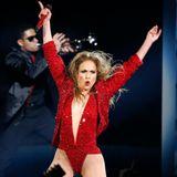 J.Lo gibt auf der Bühne alles.