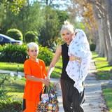 Gwen Stefani ist mit ihrer Familie auf dem Weg zu ihren Eltern, wo alle zusammen den Feiertag begehen.